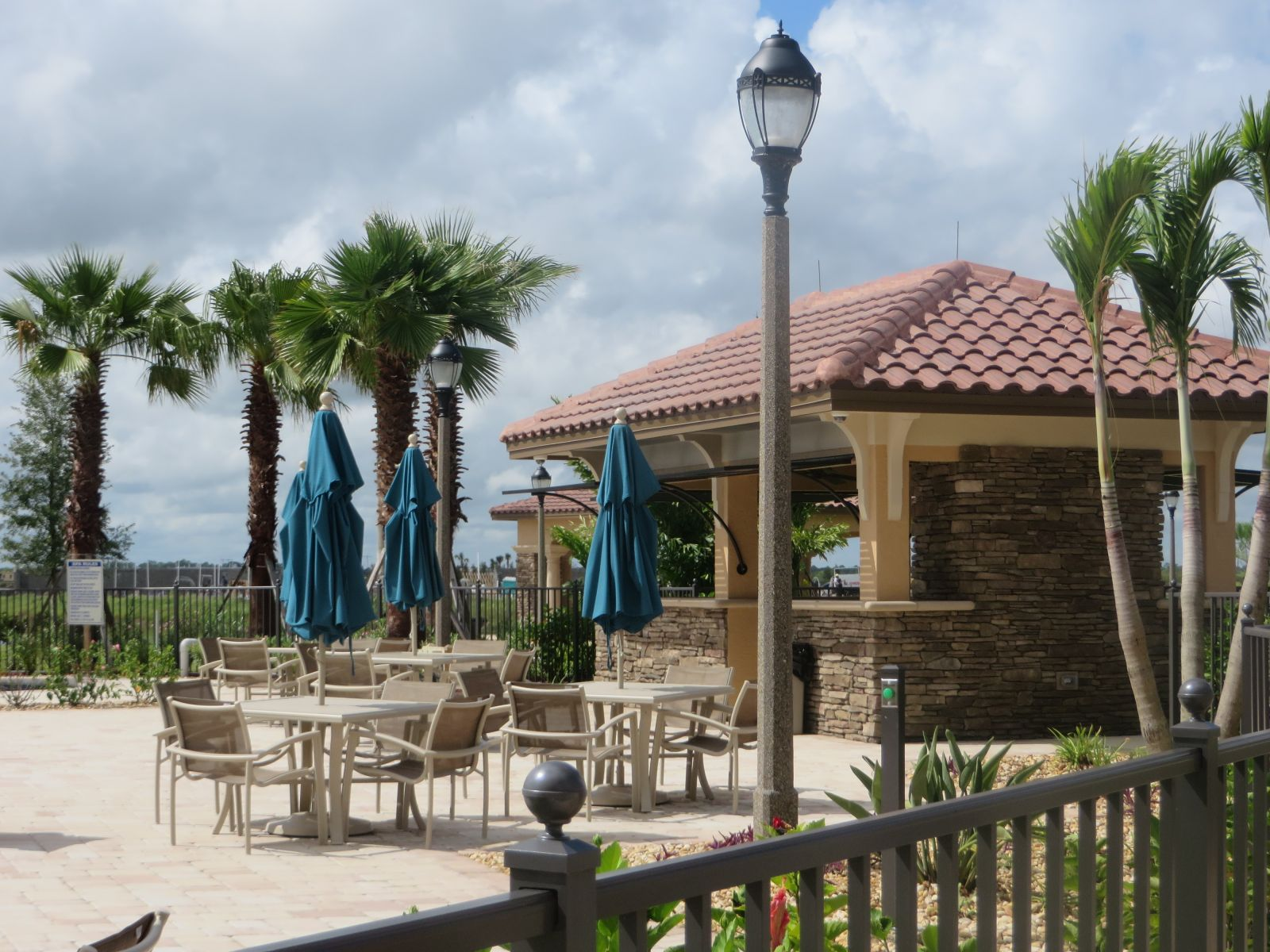VITALIA TRADITION CAPTIVA CLUHOUSE
